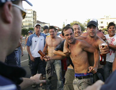 the cronulla riots - only a surfer knows the feeling (2/4)