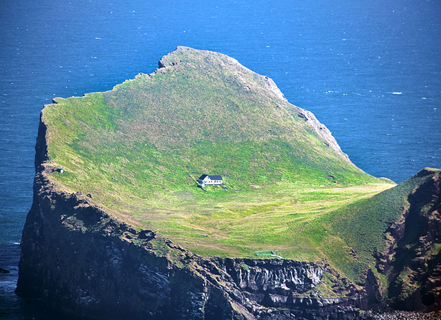 The House in the Island of Elliðaey3